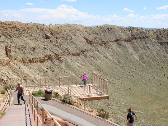 Trails to the east of Meteor Crater's visitor center