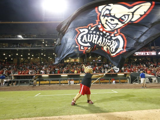 The El Paso Chihuahuas swept the Reno Aces in the first