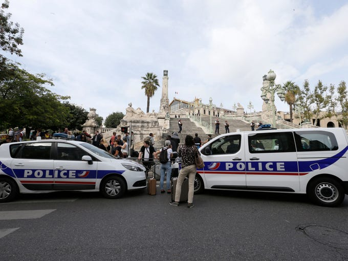 2 women killed in knife attack at french train station. Black Bedroom Furniture Sets. Home Design Ideas