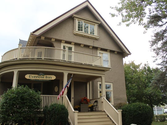 The Everest Inn, located at 601 McIndoe St., has been