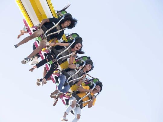 From left, Kobe Ganados, 17, Sommer Yousif, 17, Elizabeth