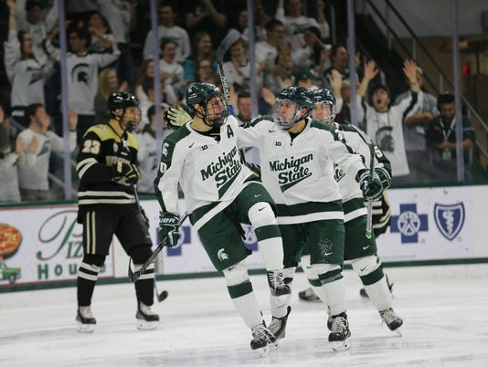 MSU hockey celebration vs. WMU