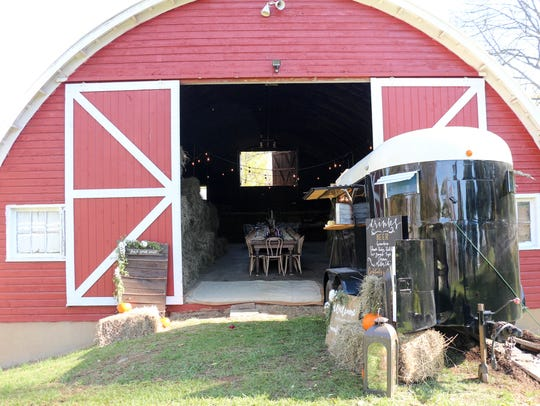 Fell Stone Manor features a barn, gardens and even