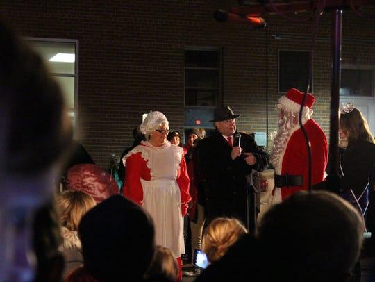 Mrs. Claus, Lexington Mayor Eugene Parkison, Santa