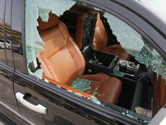 636479134600322384-MJS-car-breakins--nws--sears--2.jpg