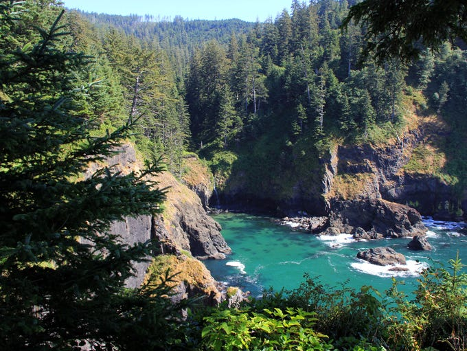 Harts Cove is located in a beautiful cove at Cascade