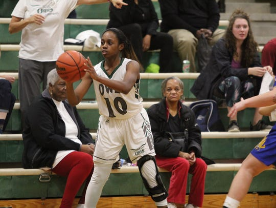 After starting slowly offensively, Warren Wilson College junior Danasia Dumas eclipsed the 20-point mark in each of the five games that ended the first half of the season.