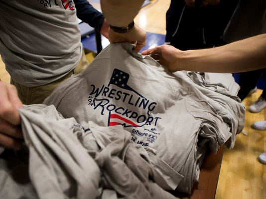 636519091512813264-1043841001-wrestling-for-rockport-01.jpg