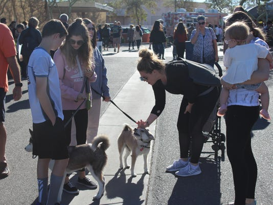 Gilbert Farmers Market | Great place for kids, dogs