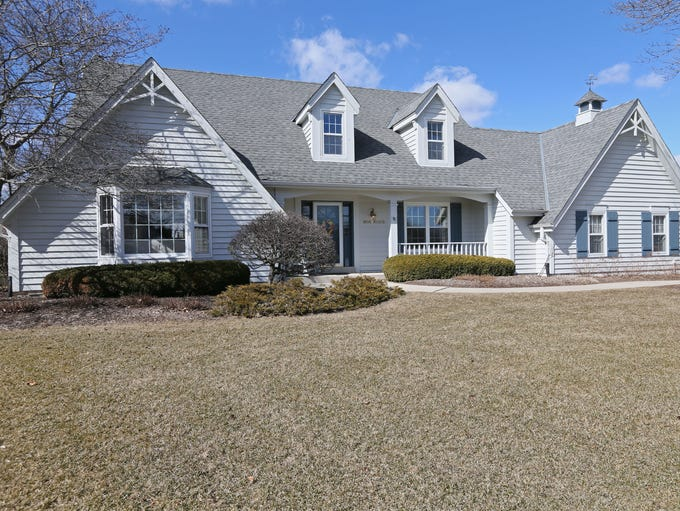 The Kluths' Germantown Cape Cod home has 2,580 square