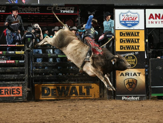 Cody Nance rides SweetPro's Bruiser for 88.75 during