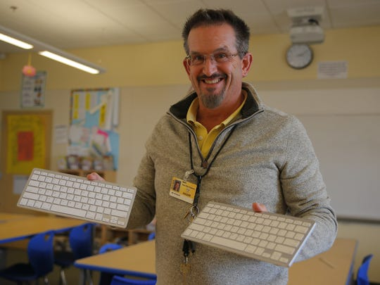 Toby Ritenour of Monte Bella Elementary School received new keyboard for his class through DonorsChoose.