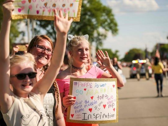 Crowds wait for American Idol finalist Maddie Poppe