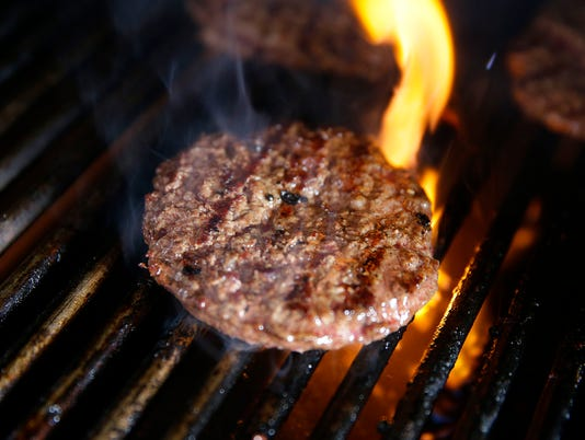 grillmeat30-burgers on grill