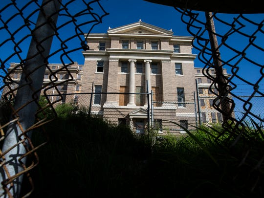 The former Nueces County Courthouse sits vacant on Wednesday, March 21, 2018.