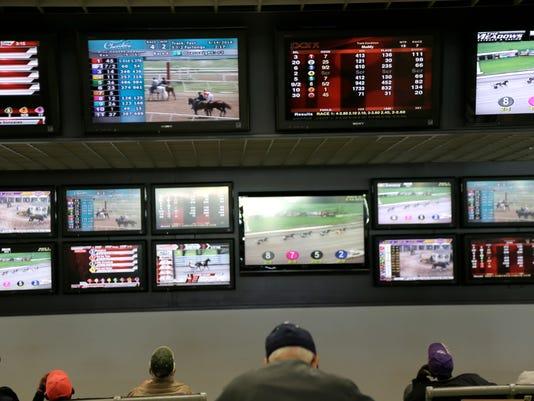 636632996605312961-Sports-Betting.jpg