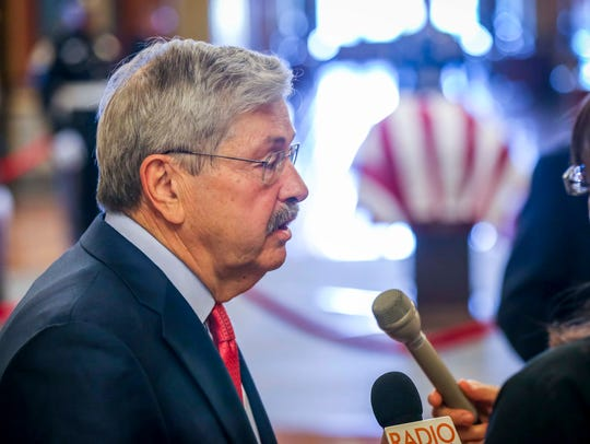 U.S. Ambassador to China Terry Branstad pays his respects