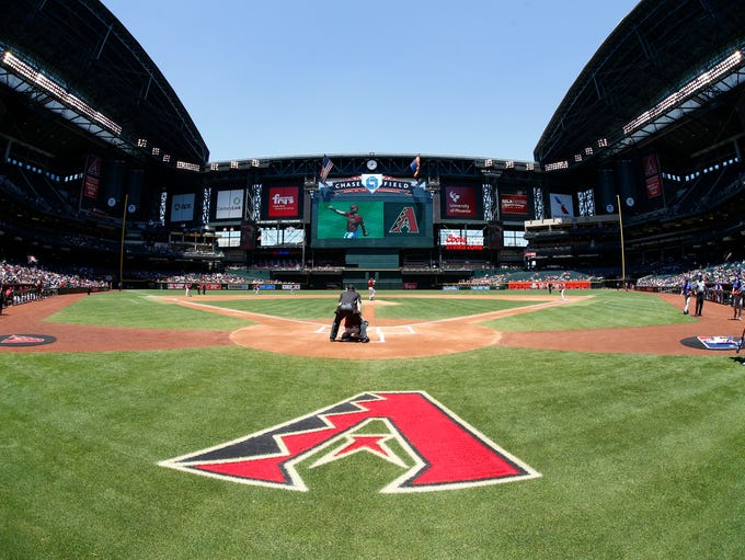 Roof open, Arizona Diamondbacks against the New York