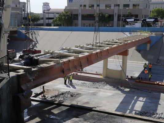 Interstate 10 overpass repairs