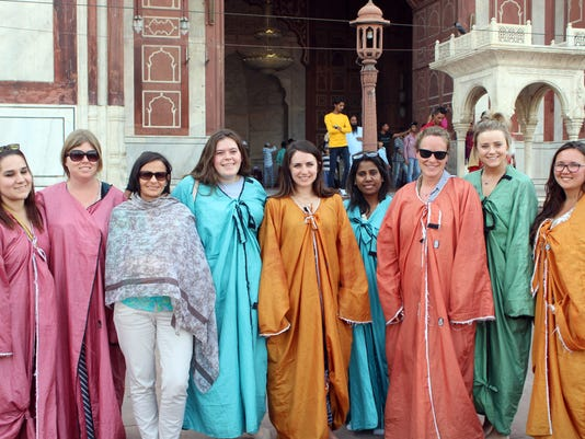 NMSU students and faculty in India photo
