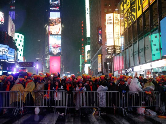 NEW YORK, NEW YORK - DECEMBER 31: New Years Eve revelers are seen during  the Times Square New Year's Eve 2019 Celebration on December 31, 2018 in New York City. (Photo by John Lamparski/Getty Images) ORG XMIT: 775266978 ORIG FILE ID: 1088624208