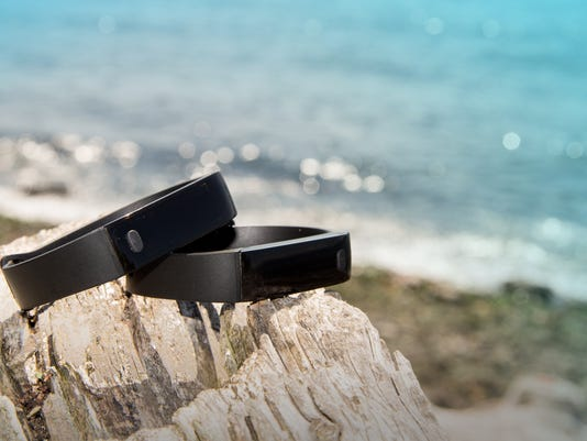 A $12 fitness band? Yep. And it looks good.
