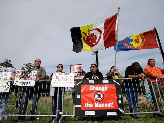 washington_redskins_protests_10_28