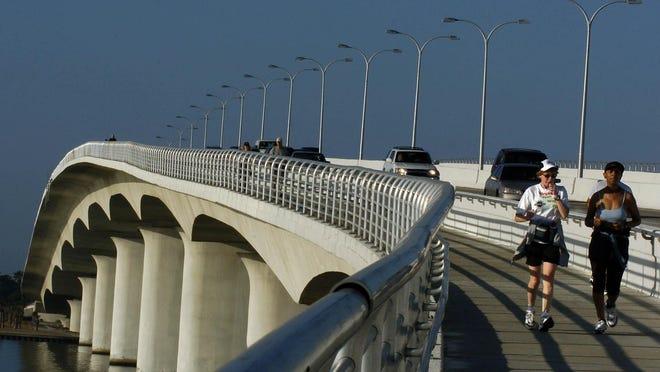 SRQ VETS 5KMemorial Hike will cross John Ringling Causeway on Saturday before returning to J.D. Hamel Park.