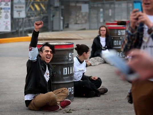 valero-protest-4.jpg