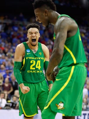 KANSAS CITY, MO - MARCH 25:  Dillon Brooks #24 and Jordan Bell #1 of the Oregon Ducks react in the second half against the Kansas Jayhawks during the 2017 NCAA Men's Basketball Tournament Midwest Regional at Sprint Center on March 25, 2017 in Kansas City, Missouri.  (Photo by Jamie Squire/Getty Images) ***BESTPIX***