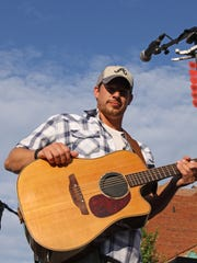 Local artist, Jon Royce and his band will take the