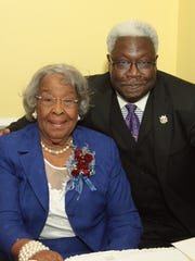 Former educator/honoree Melanie Jones Thibodeaux and