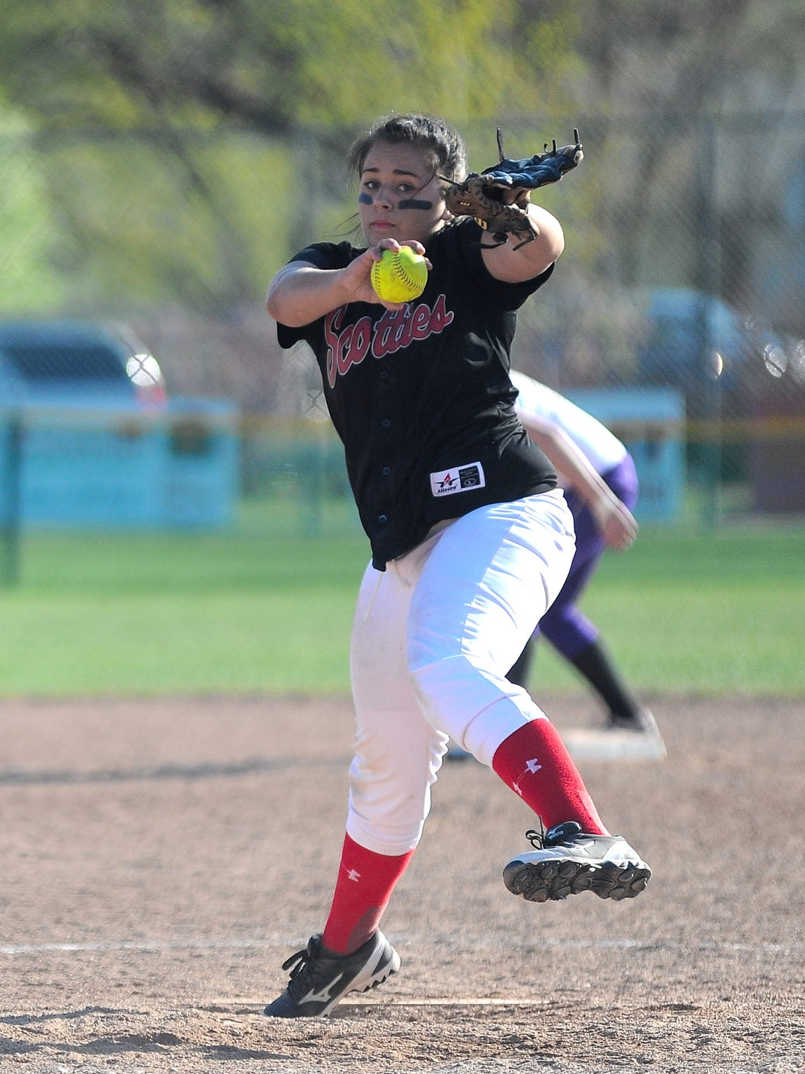 Glasgow pitcher Tyra Johnson delivers to the plate