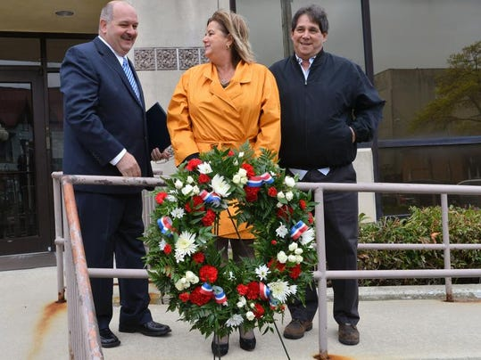 Wreath Laying for Injured 2.jpg