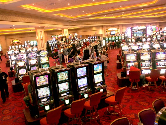 Riverside casino entertainment
