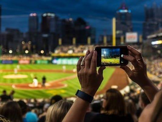 636541181841471616-636524756426061316-baseballgame.jpg
