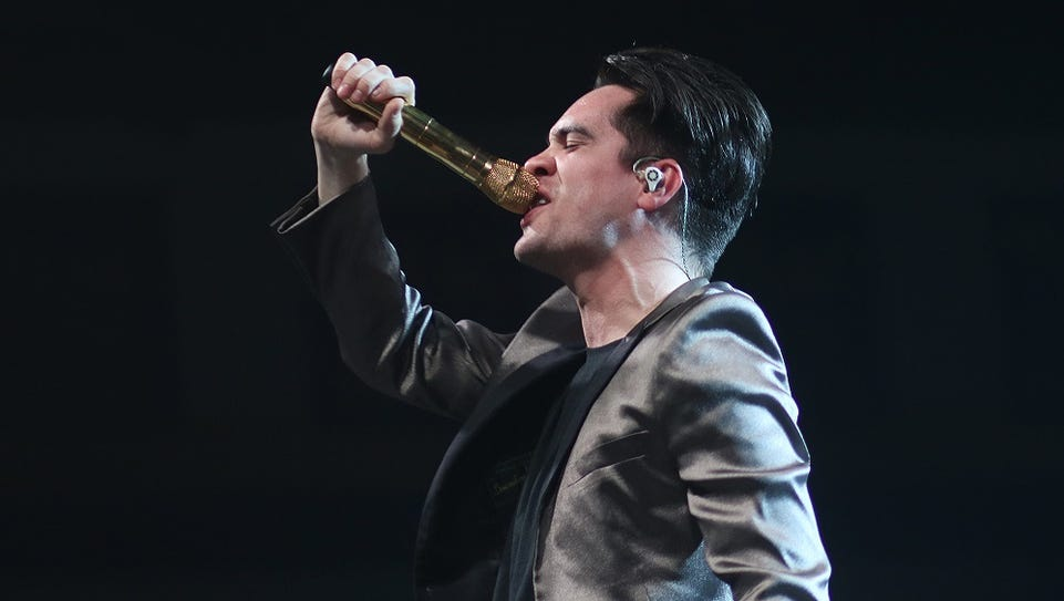 Brendon Urie will perform with Panic at the Disco Dec.