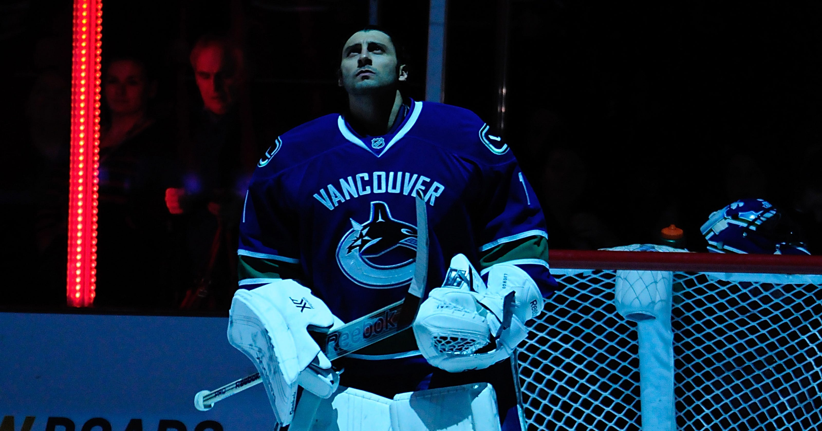 Canucks Deal Roberto Luongo To Panthers