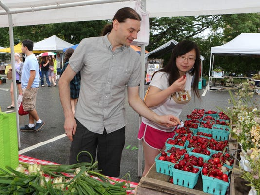 Shoppers trade in big food brands for local and organic