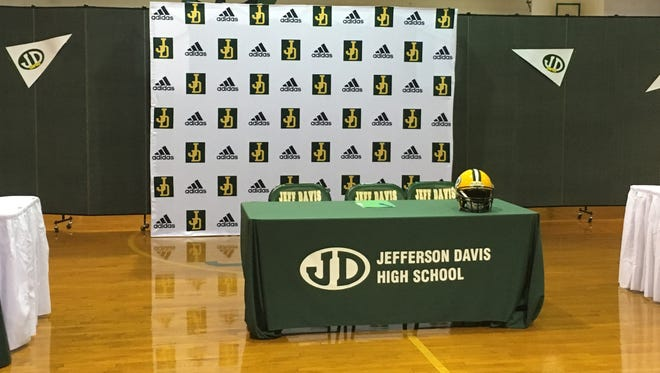 Signing day at Jefferson Davis High School on Feb. 2, 2018 in Montgomery, AL.