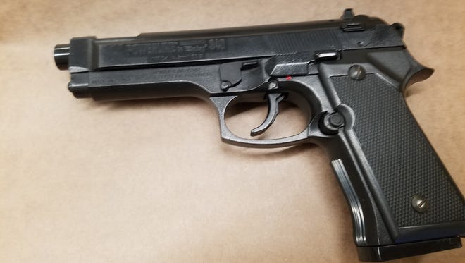 A BB gun that resembles a 9 mm Beretta handgun was recovered from a student who allegedly brought it onto the campus of Frontier High School in Camarillo, authorities said.