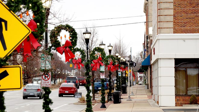 The downtown Sturgis sidewalks will be open throughout December for less-visible merchants to set up temporary displays, as long as they follow guidelines approved by the city commission Wednesday and have permission of the business owner who oversees that section of walk.