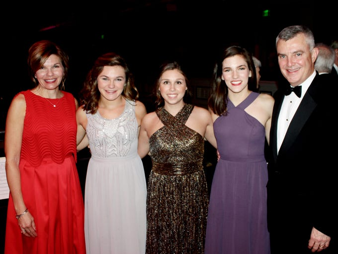 Patrons of the Middle Tennessee Heart Gala gathered