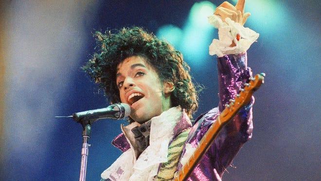 A remastered edition of Prince's 1984 classic 'Purple Rain' will include half a dozen previously unreleased tracks.