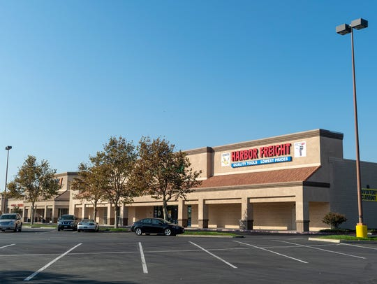 Tulare Pavilion shopping center now includes Ross,