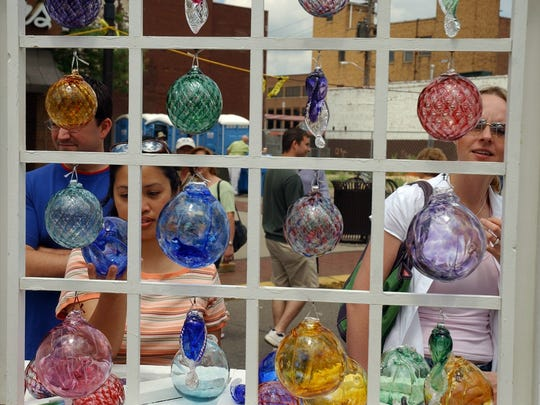 Decorative glass art and glass-blowing demonstrations