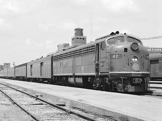 Missouri-Pacific-Diesel-Electric-Passenger-Locomotive-No.-42-16732586670-.jpg