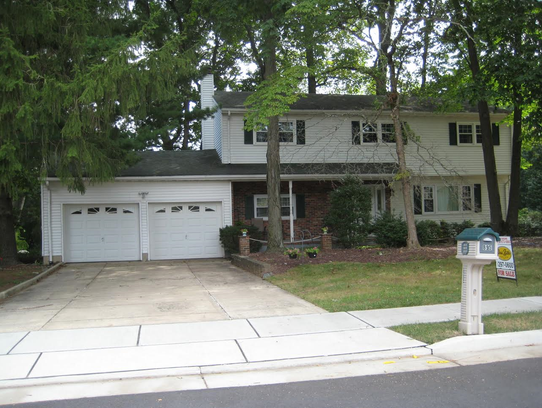 This five-bedroom Colonial at 895 Hoover Drive in North