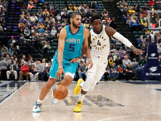 Charlotte Hornets forward Nicolas Batum (5) drives