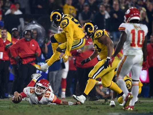 Chiefs_Rams_Football_99748.jpg